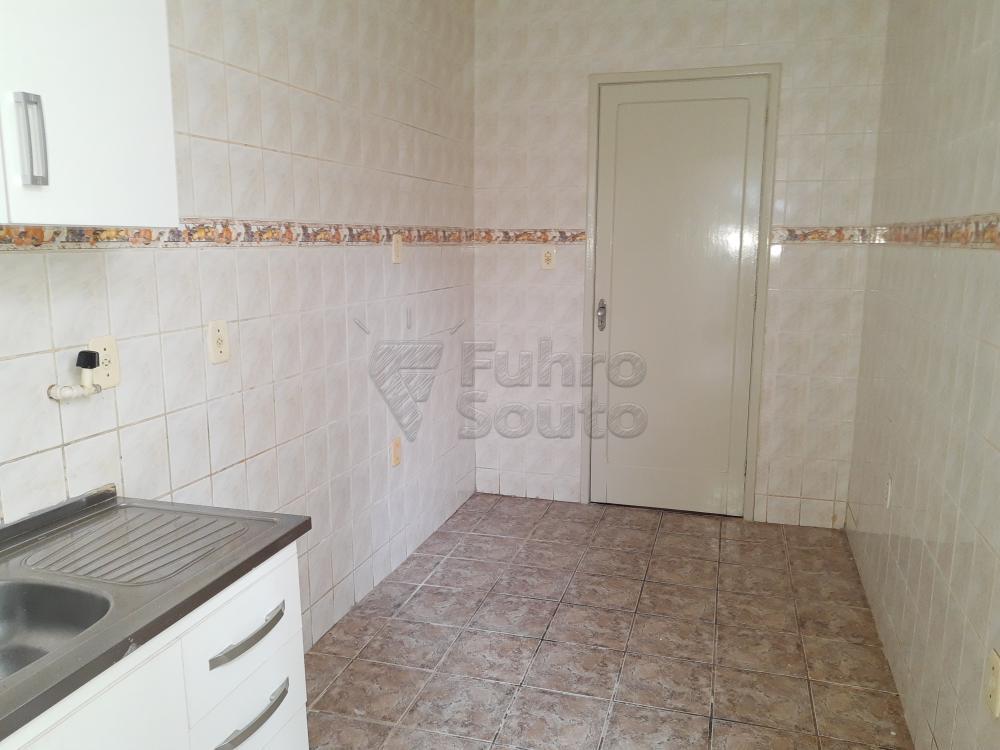 Alugar Casa / Padrão em Pelotas R$ 1.800,00 - Foto 18