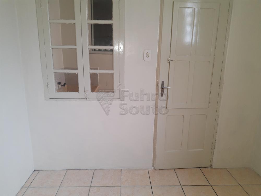 Alugar Casa / Padrão em Pelotas R$ 1.800,00 - Foto 21