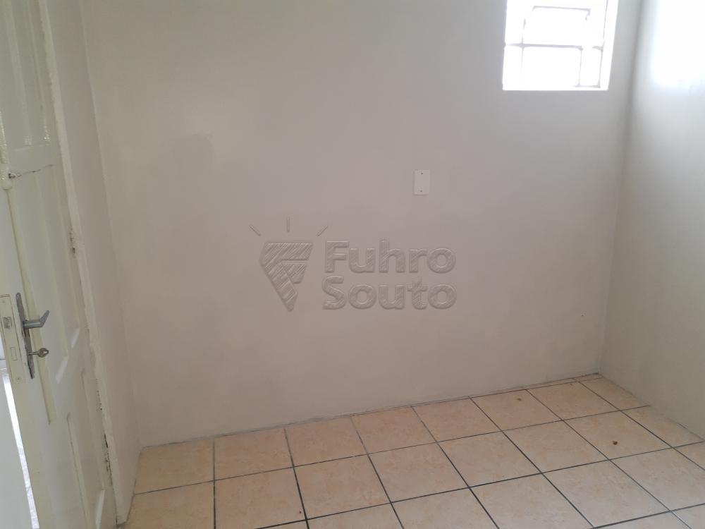Alugar Casa / Padrão em Pelotas R$ 1.800,00 - Foto 22