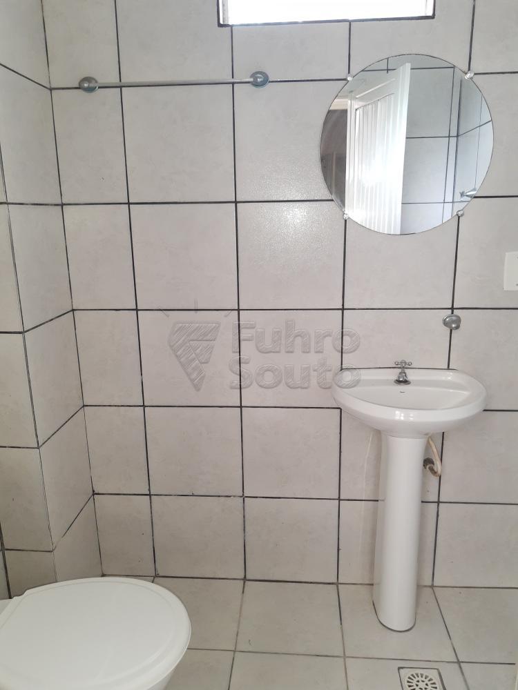 Alugar Casa / Padrão em Pelotas R$ 1.800,00 - Foto 32