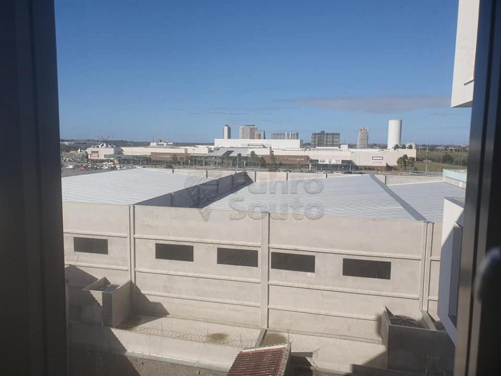 Alugar Comercial / Sala em Condomínio em Pelotas R$ 1.600,00 - Foto 4