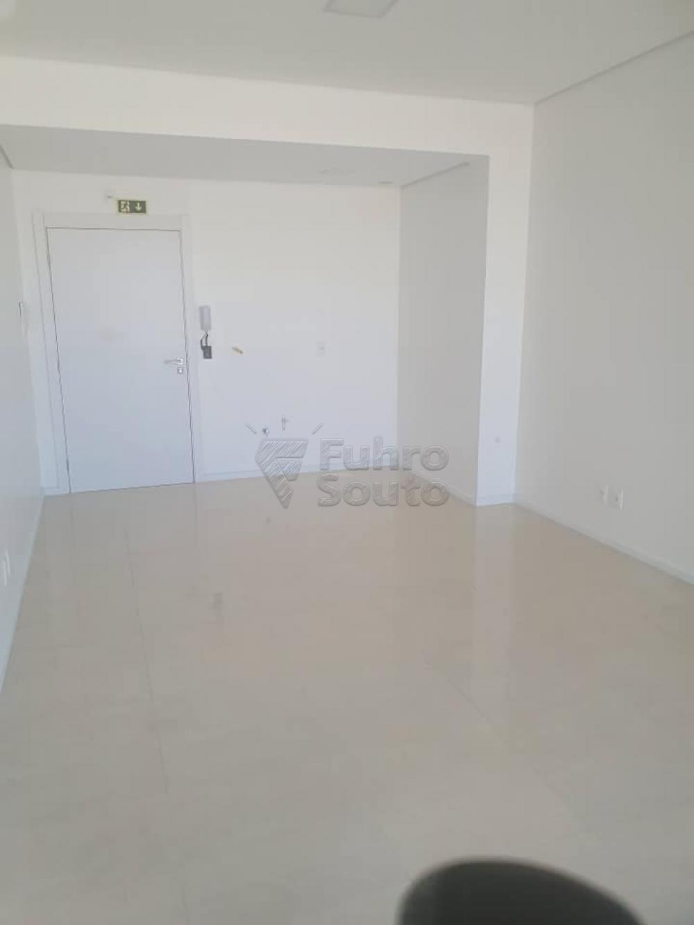 Alugar Comercial / Sala em Condomínio em Pelotas R$ 1.600,00 - Foto 3