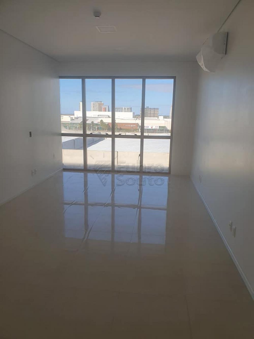 Alugar Comercial / Sala em Condomínio em Pelotas R$ 1.600,00 - Foto 2