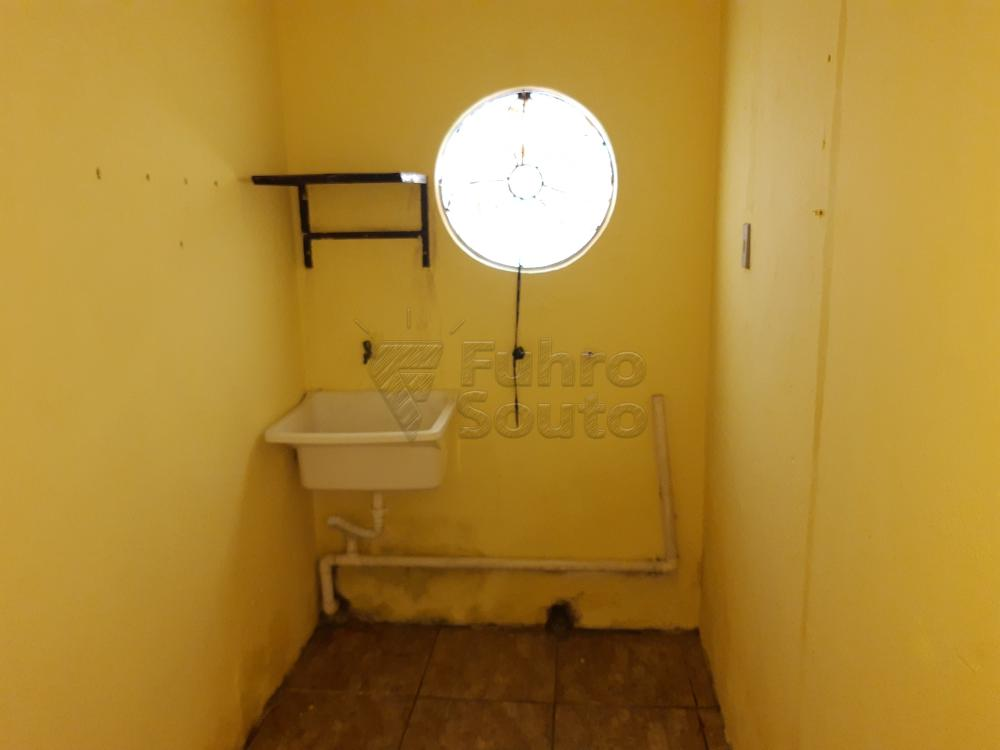 Alugar Casa / Padrão em Pelotas R$ 550,00 - Foto 15