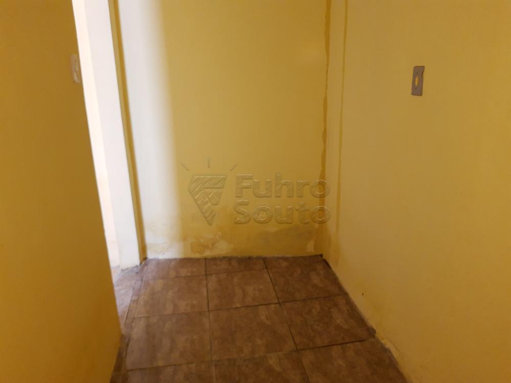 Alugar Casa / Padrão em Pelotas R$ 550,00 - Foto 16