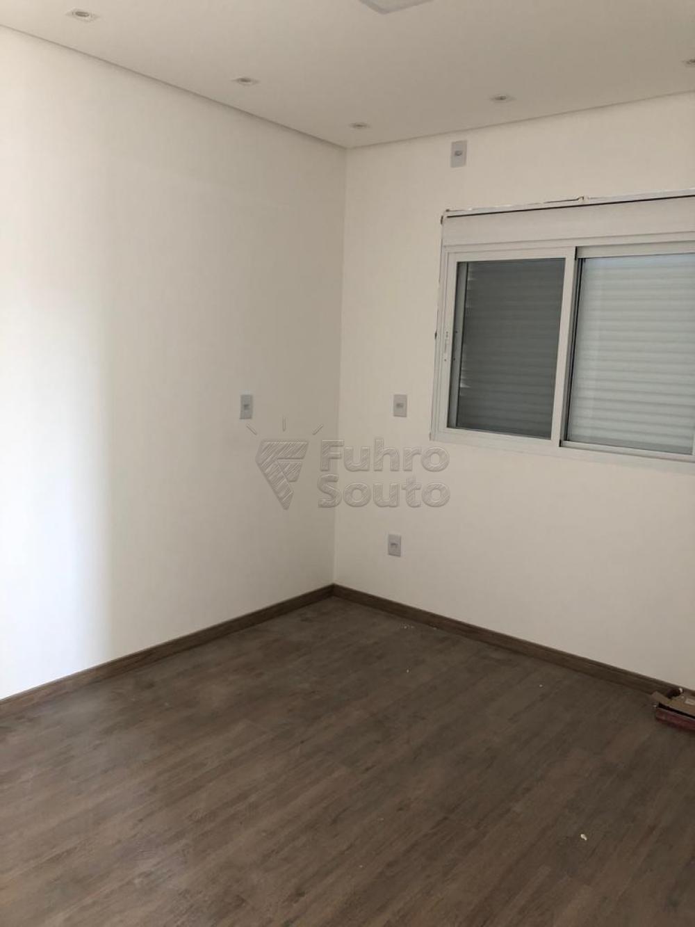 Comprar Casa / Padrão em Pelotas R$ 370.000,00 - Foto 8