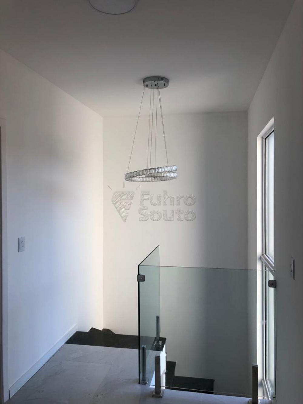 Comprar Casa / Padrão em Pelotas R$ 370.000,00 - Foto 6
