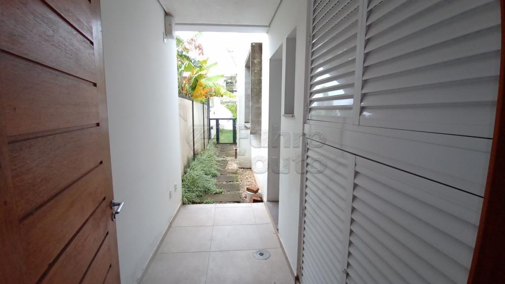 Comprar Casa / Padrão em Pelotas R$ 750.000,00 - Foto 34