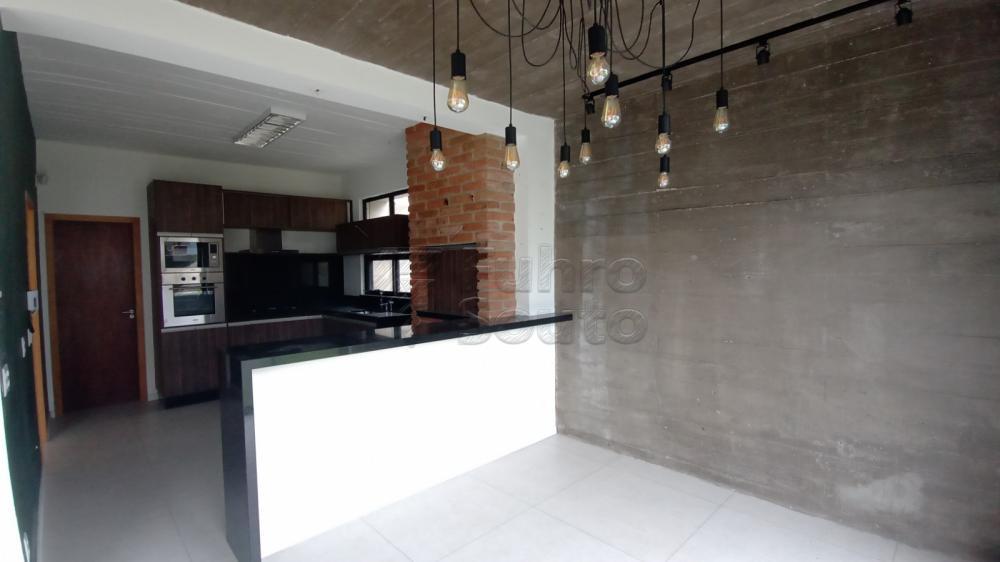 Comprar Casa / Padrão em Pelotas R$ 750.000,00 - Foto 5