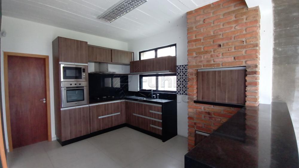Comprar Casa / Padrão em Pelotas R$ 750.000,00 - Foto 7
