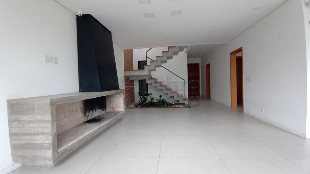 Comprar Casa / Padrão em Pelotas R$ 750.000,00 - Foto 2