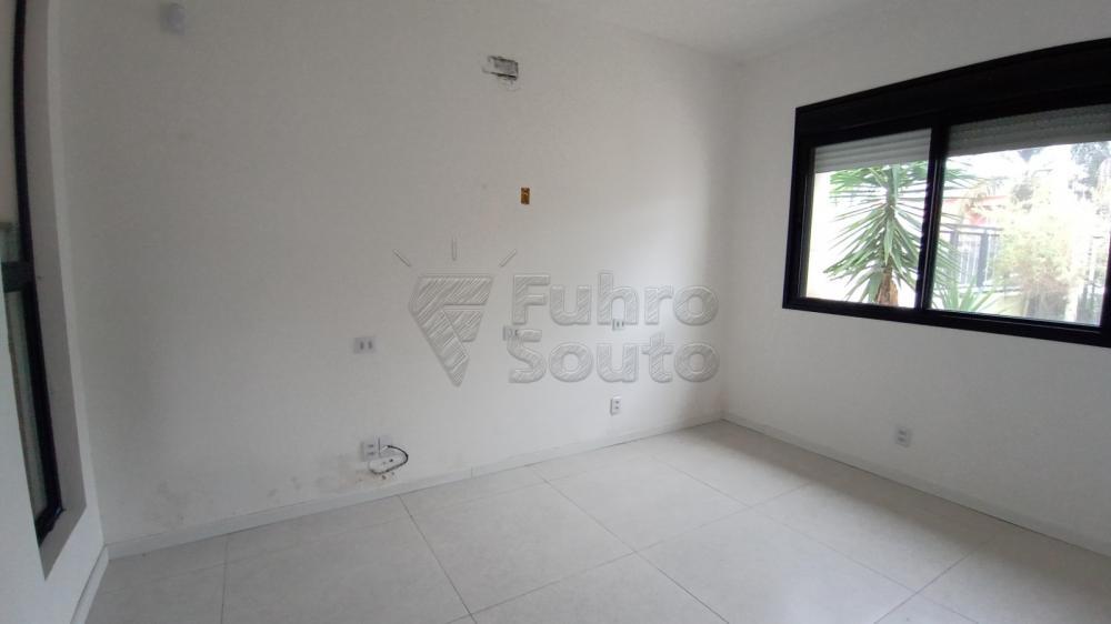 Comprar Casa / Padrão em Pelotas R$ 750.000,00 - Foto 13