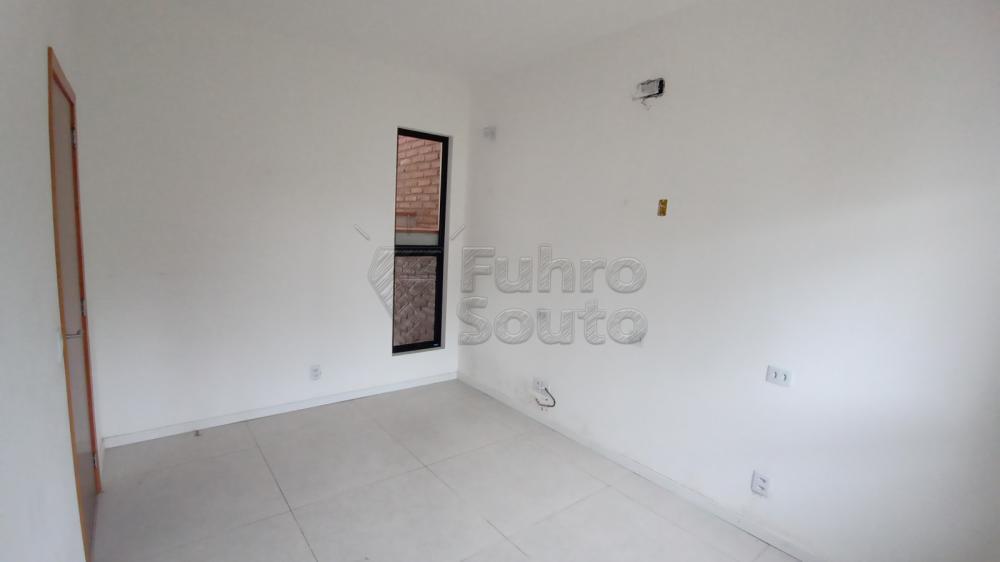 Comprar Casa / Padrão em Pelotas R$ 750.000,00 - Foto 12