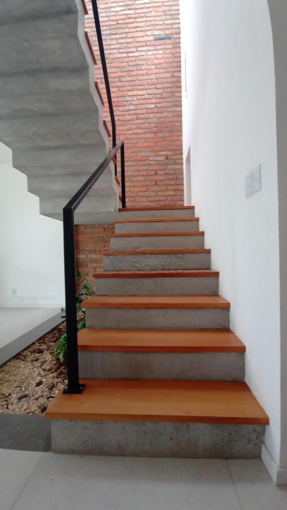 Comprar Casa / Padrão em Pelotas R$ 750.000,00 - Foto 16