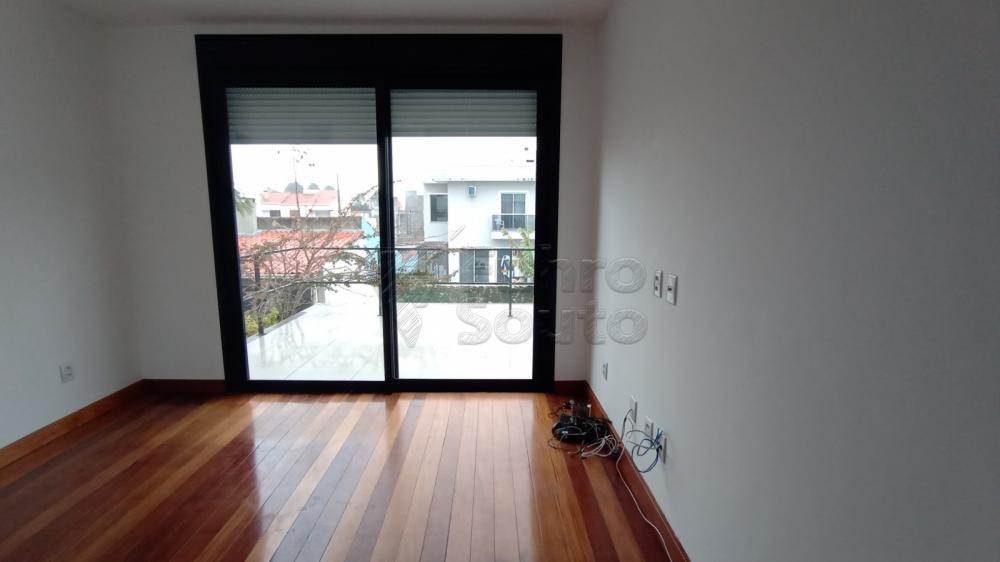 Comprar Casa / Padrão em Pelotas R$ 750.000,00 - Foto 20