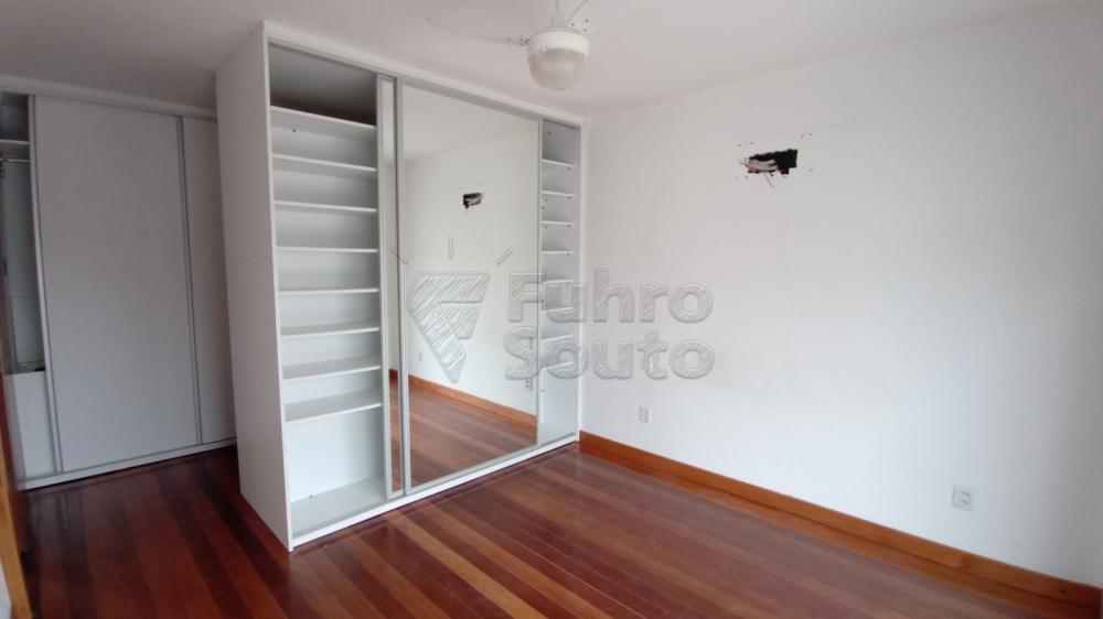 Comprar Casa / Padrão em Pelotas R$ 750.000,00 - Foto 21