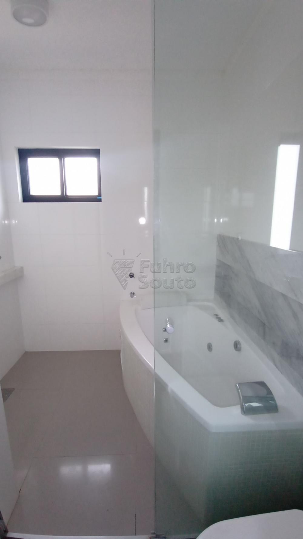 Comprar Casa / Padrão em Pelotas R$ 750.000,00 - Foto 27