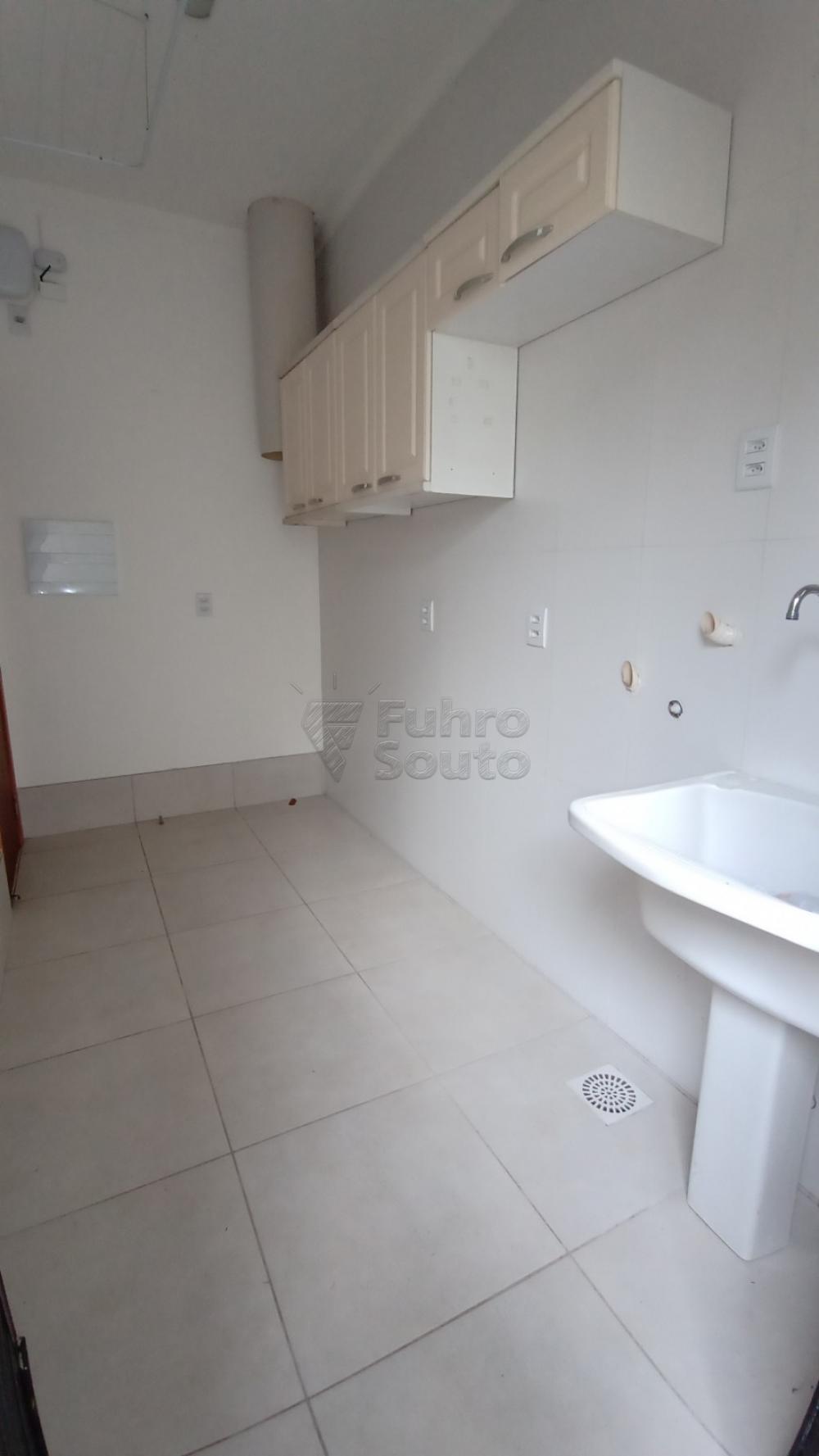 Comprar Casa / Padrão em Pelotas R$ 750.000,00 - Foto 10