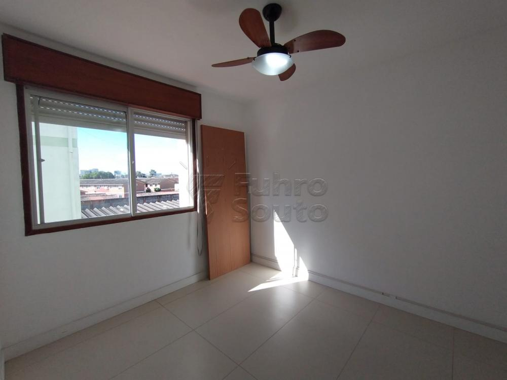 Comprar Apartamento / Padrão em Pelotas R$ 299.000,00 - Foto 8
