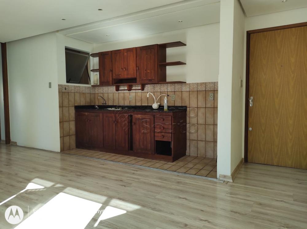 Comprar Apartamento / Padrão em Pelotas R$ 160.000,00 - Foto 5