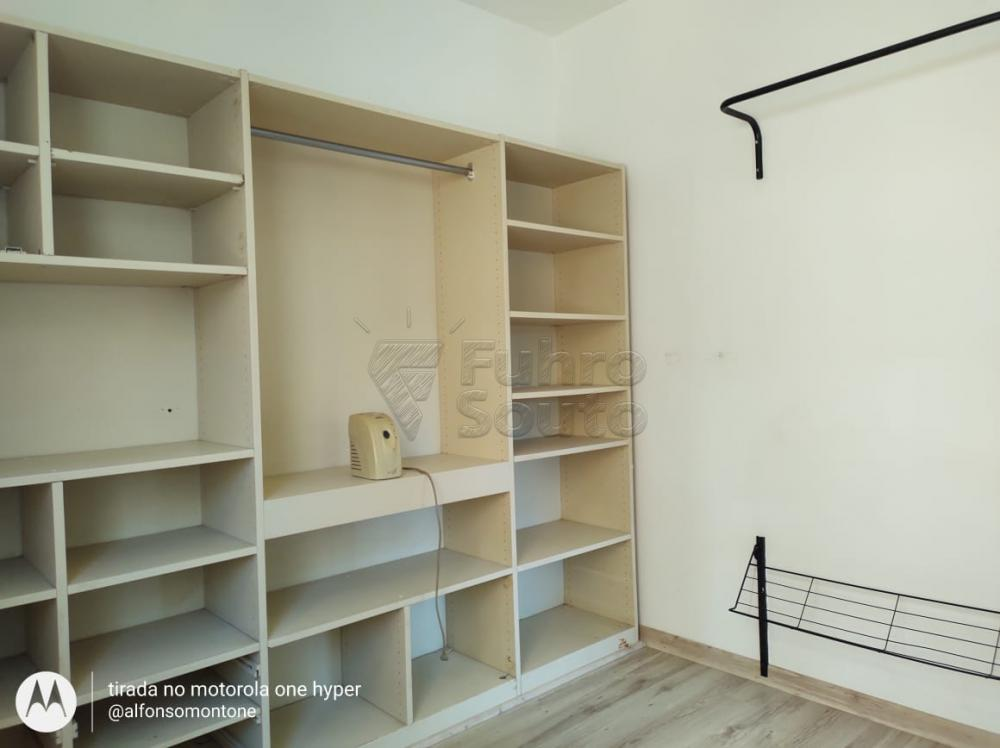 Comprar Apartamento / Padrão em Pelotas R$ 160.000,00 - Foto 9