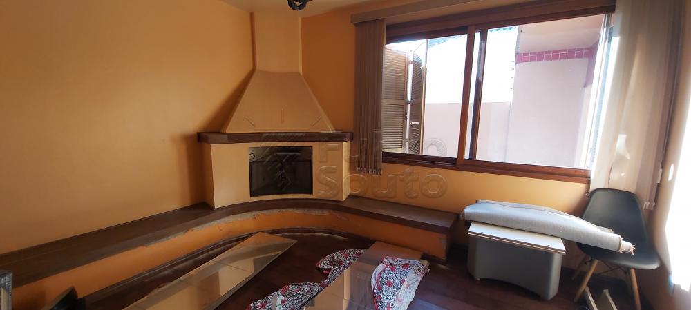 Alugar Casa / Padrão em Pelotas R$ 4.800,00 - Foto 2