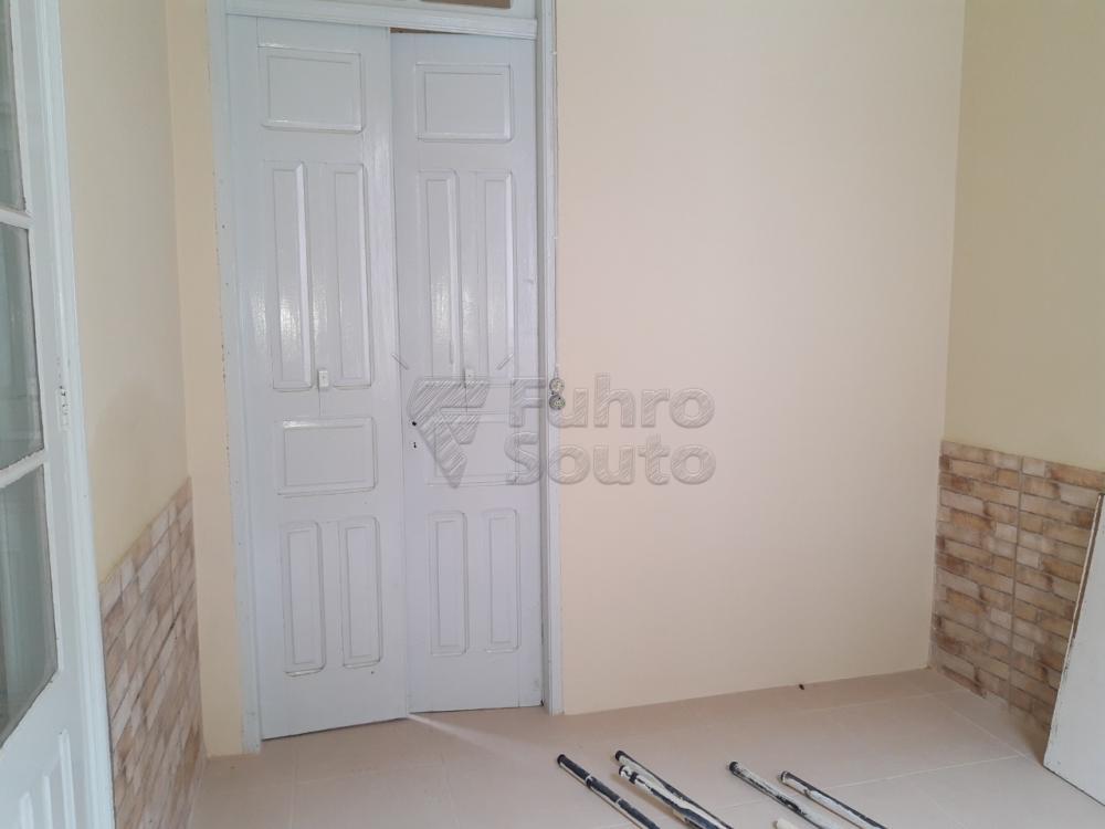 Alugar Casa / Padrão em Pelotas R$ 2.000,00 - Foto 6