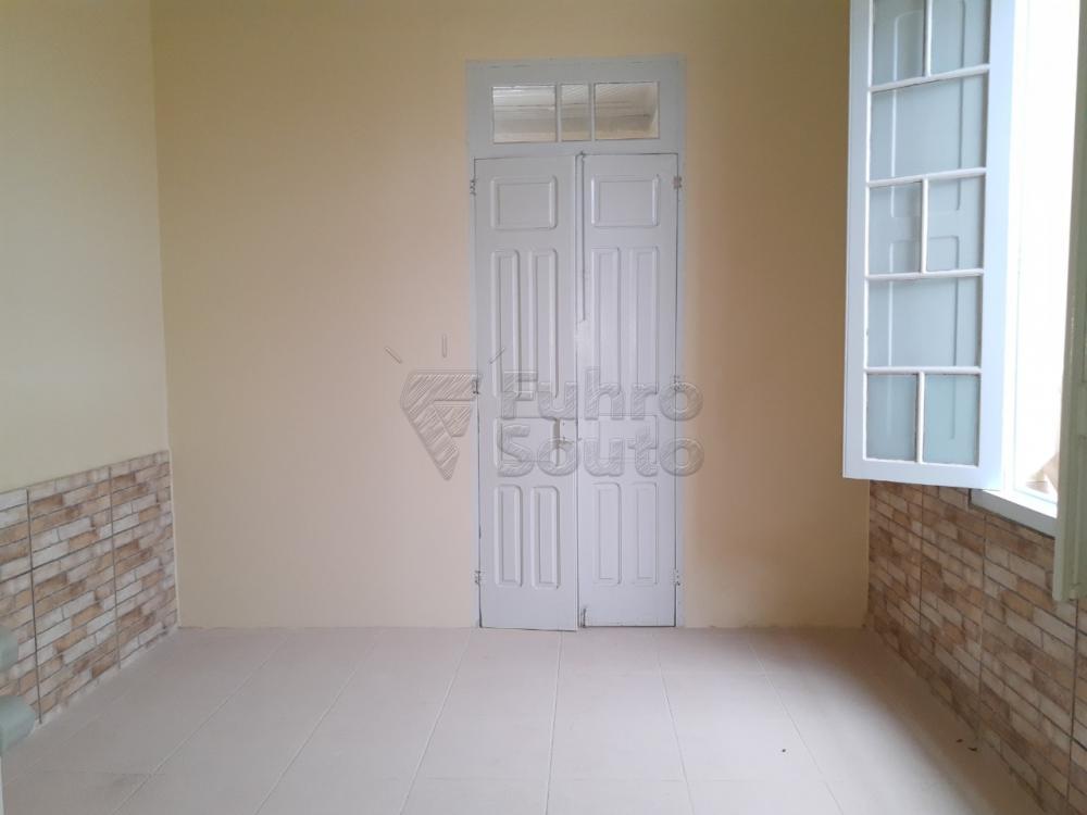 Alugar Casa / Padrão em Pelotas R$ 2.000,00 - Foto 7