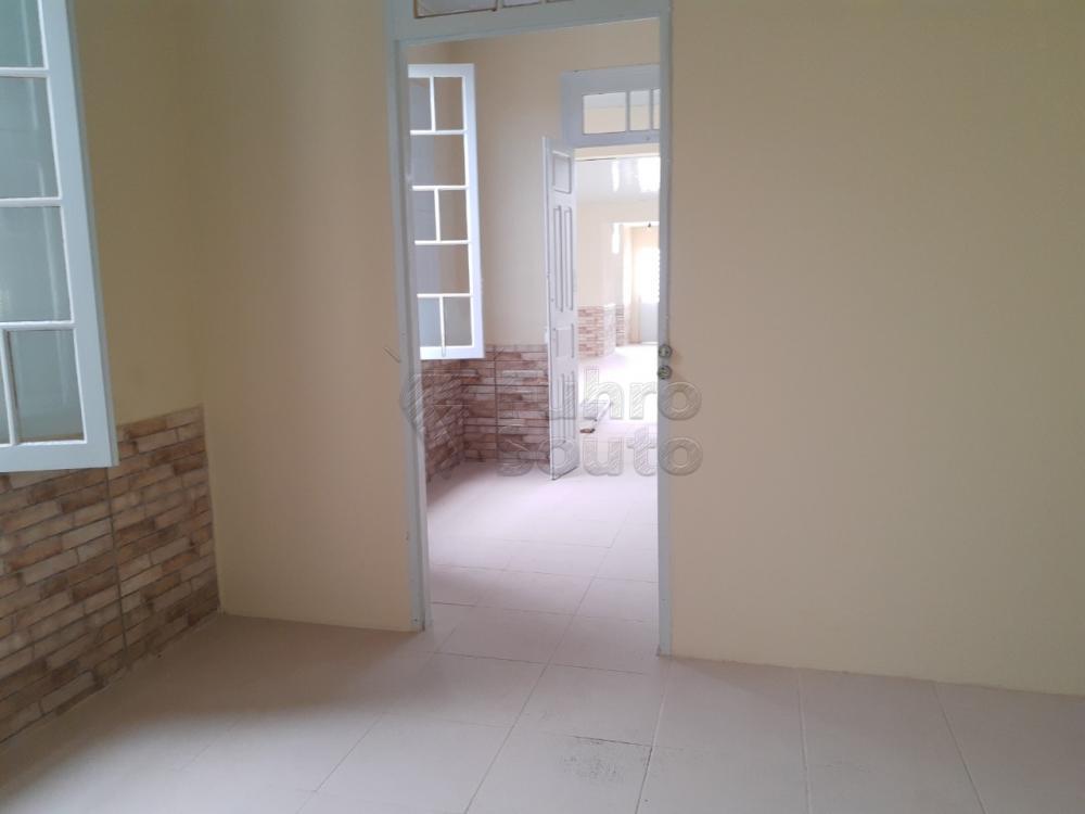 Alugar Casa / Padrão em Pelotas R$ 2.000,00 - Foto 8