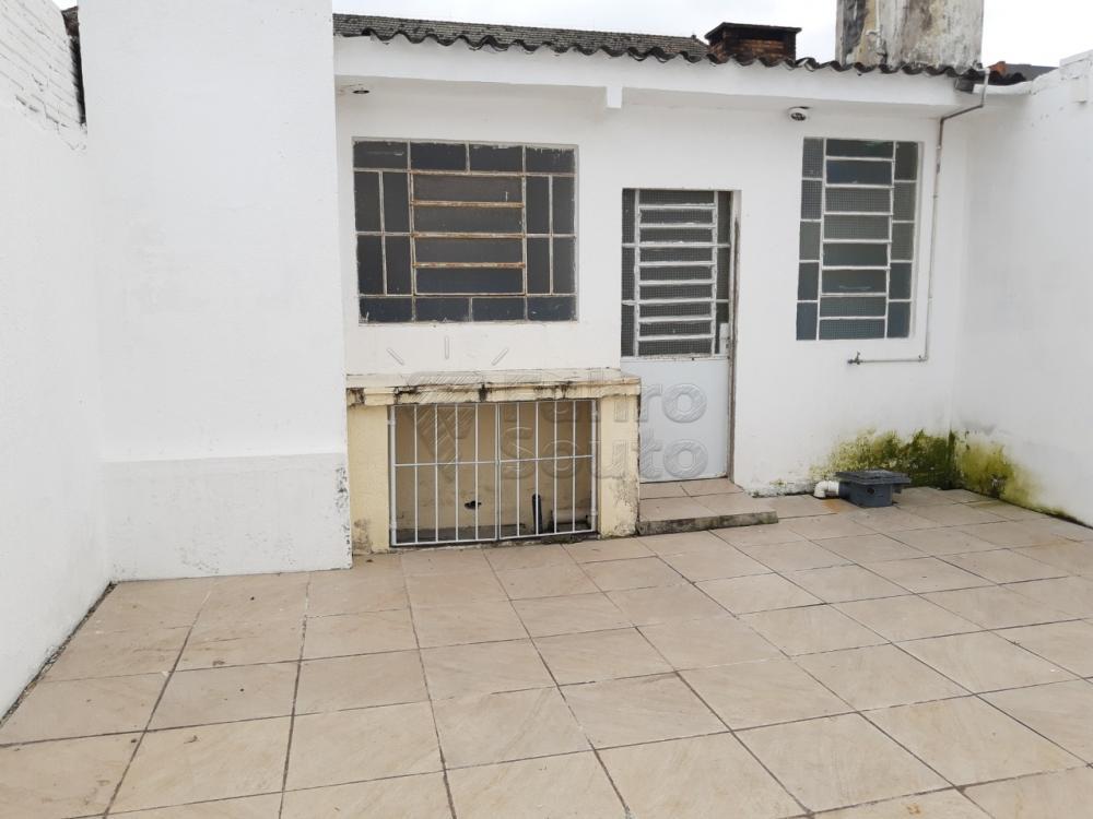 Alugar Casa / Padrão em Pelotas R$ 2.000,00 - Foto 24