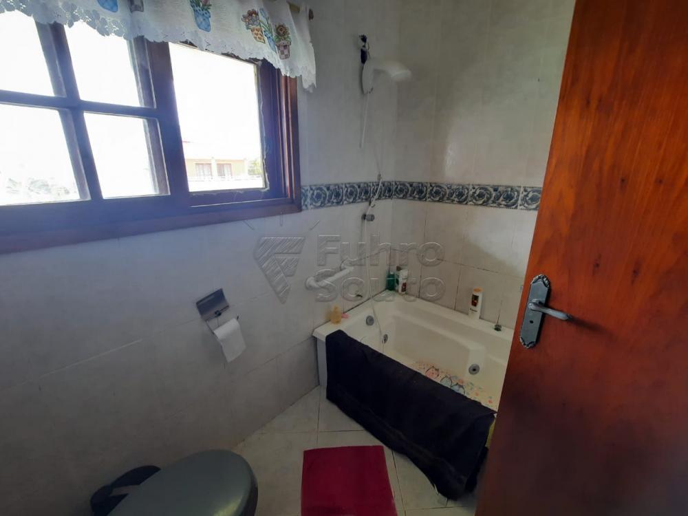 Comprar Casa / Padrão em Pelotas R$ 530.000,00 - Foto 13