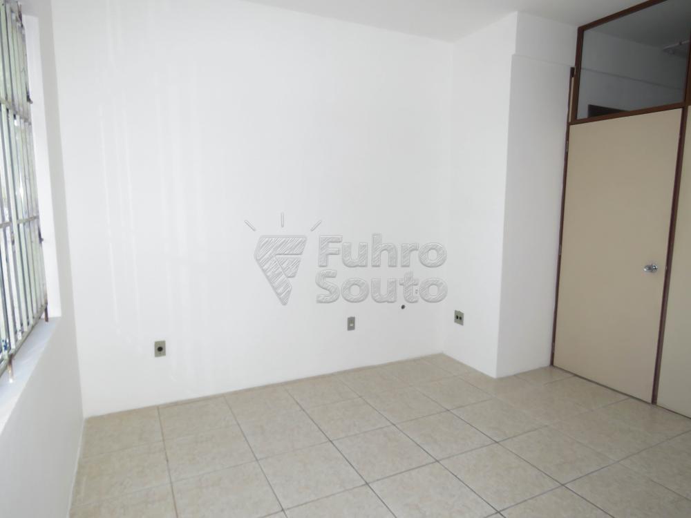 Alugar Comercial / Sala Fora de Condomínio em Pelotas R$ 700,00 - Foto 6