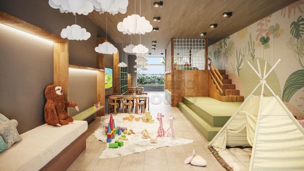 Comprar Apartamento / Padrão em Pelotas R$ 450.000,00 - Foto 17