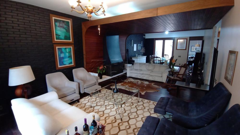 Comprar Casa / Padrão em Pelotas R$ 2.500.000,00 - Foto 1