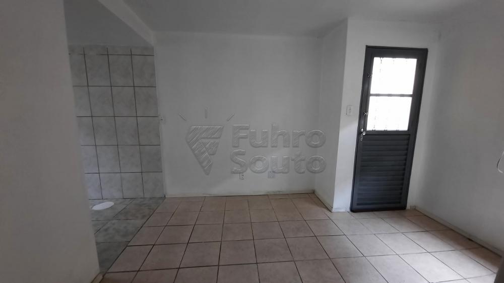 Comprar Apartamento / Padrão em Pelotas R$ 110.000,00 - Foto 5