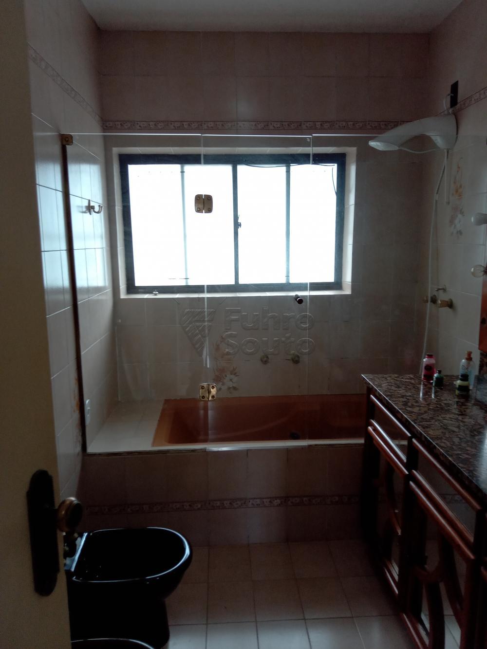 Alugar Casa / Padrão em Pelotas R$ 4.000,00 - Foto 10