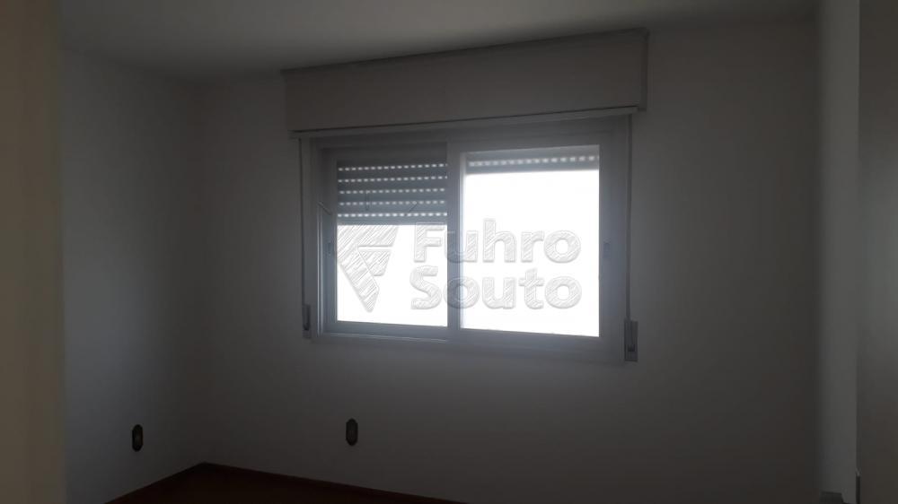 Comprar Apartamento / Padrão em Pelotas R$ 410.000,00 - Foto 4