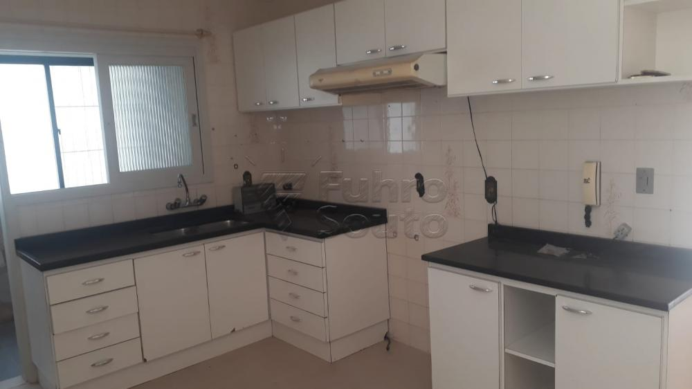 Comprar Apartamento / Padrão em Pelotas R$ 410.000,00 - Foto 8