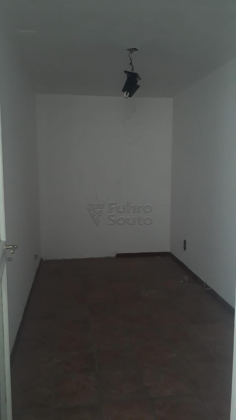 Comprar Apartamento / Padrão em Pelotas R$ 410.000,00 - Foto 11