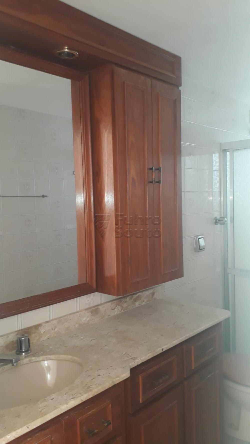 Comprar Apartamento / Padrão em Pelotas R$ 410.000,00 - Foto 18