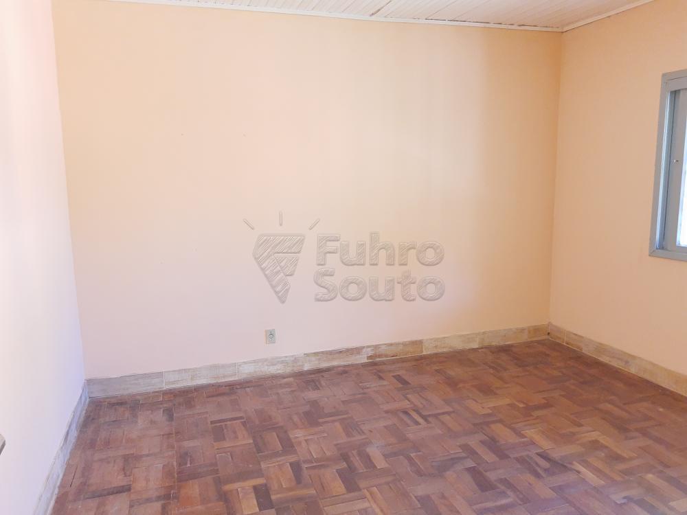 Alugar Casa / Padrão em Pelotas R$ 750,00 - Foto 8