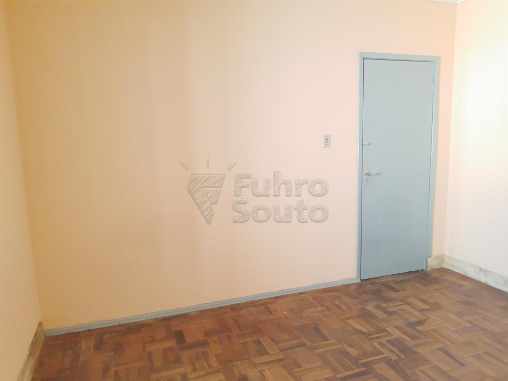 Alugar Casa / Padrão em Pelotas R$ 750,00 - Foto 9