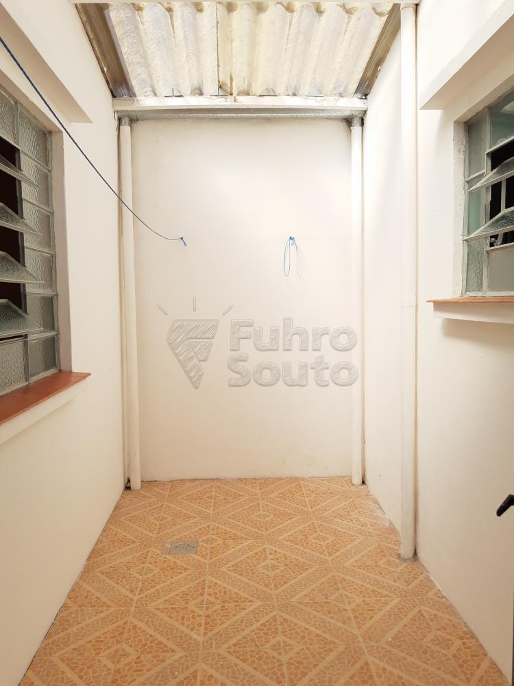 Alugar Casa / Padrão em Pelotas R$ 750,00 - Foto 15