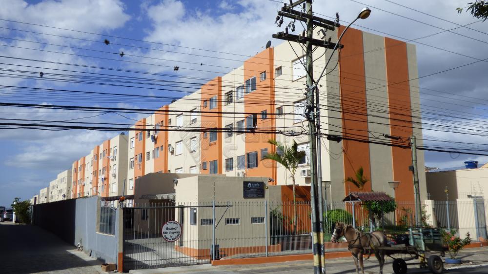 Comprar Apartamento / Padrão em Pelotas R$ 310.000,00 - Foto 1
