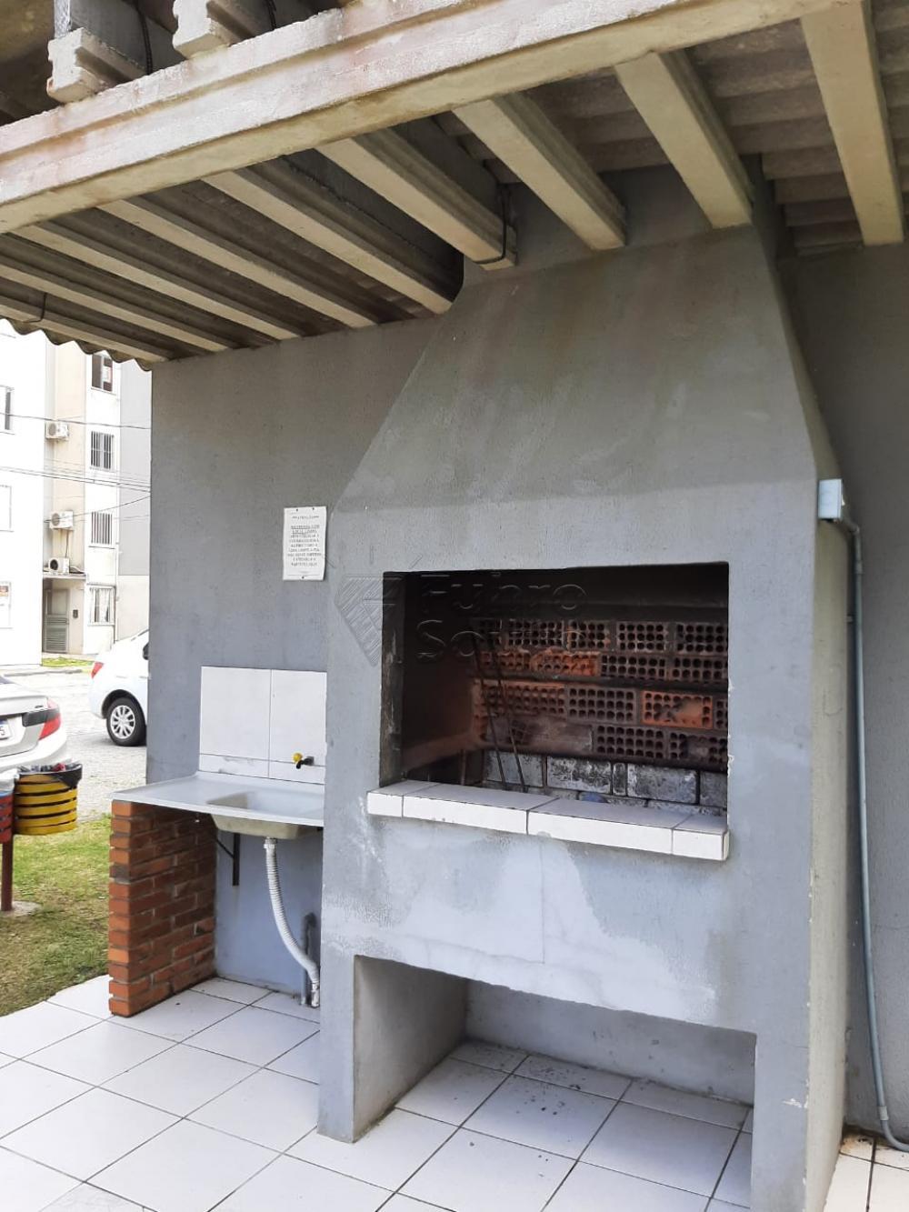 Comprar Apartamento / Padrão em Pelotas R$ 138.000,00 - Foto 5