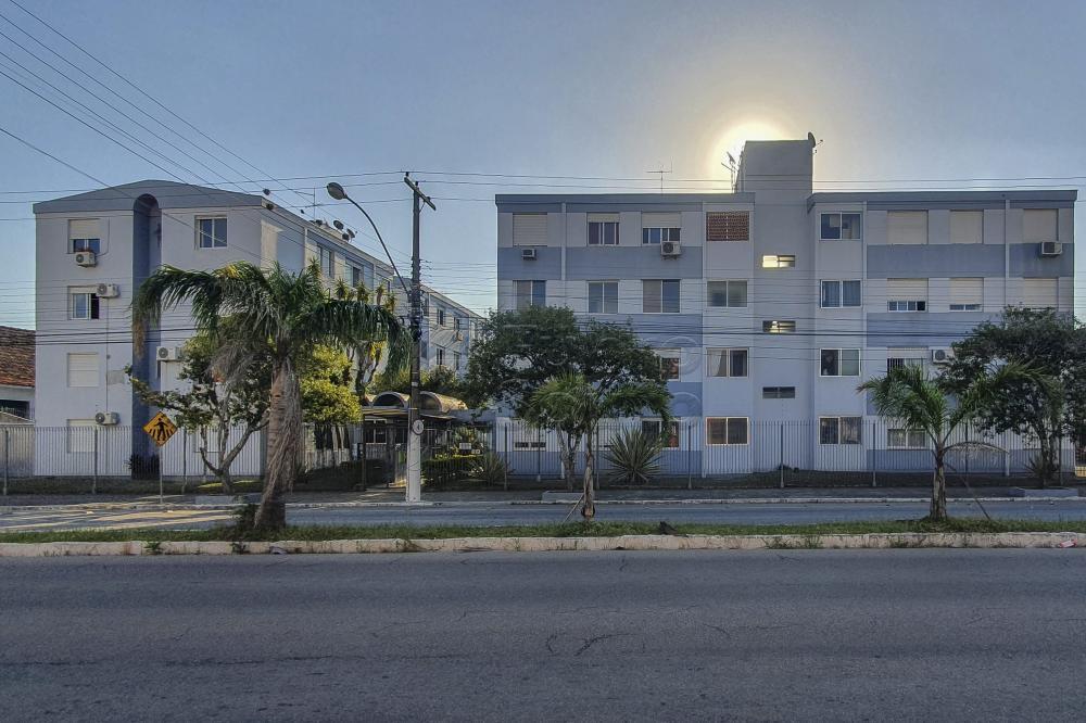 Comprar Apartamento / Padrão em Pelotas R$ 169.600,00 - Foto 1