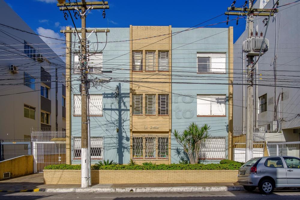 Alugar Apartamento / Padrão em Pelotas R$ 1.000,00 - Foto 1