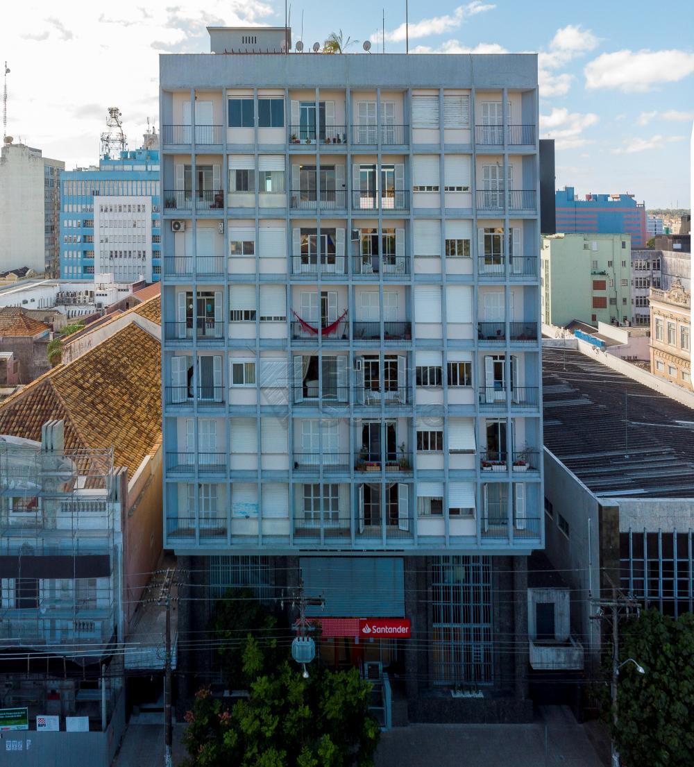 Comprar Apartamento / Padrão em Pelotas R$ 650.000,00 - Foto 2