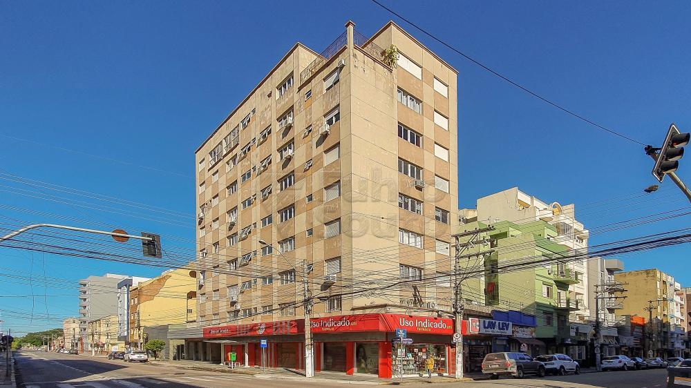 Alugar Apartamento / Kitinete em Pelotas R$ 780,00 - Foto 1