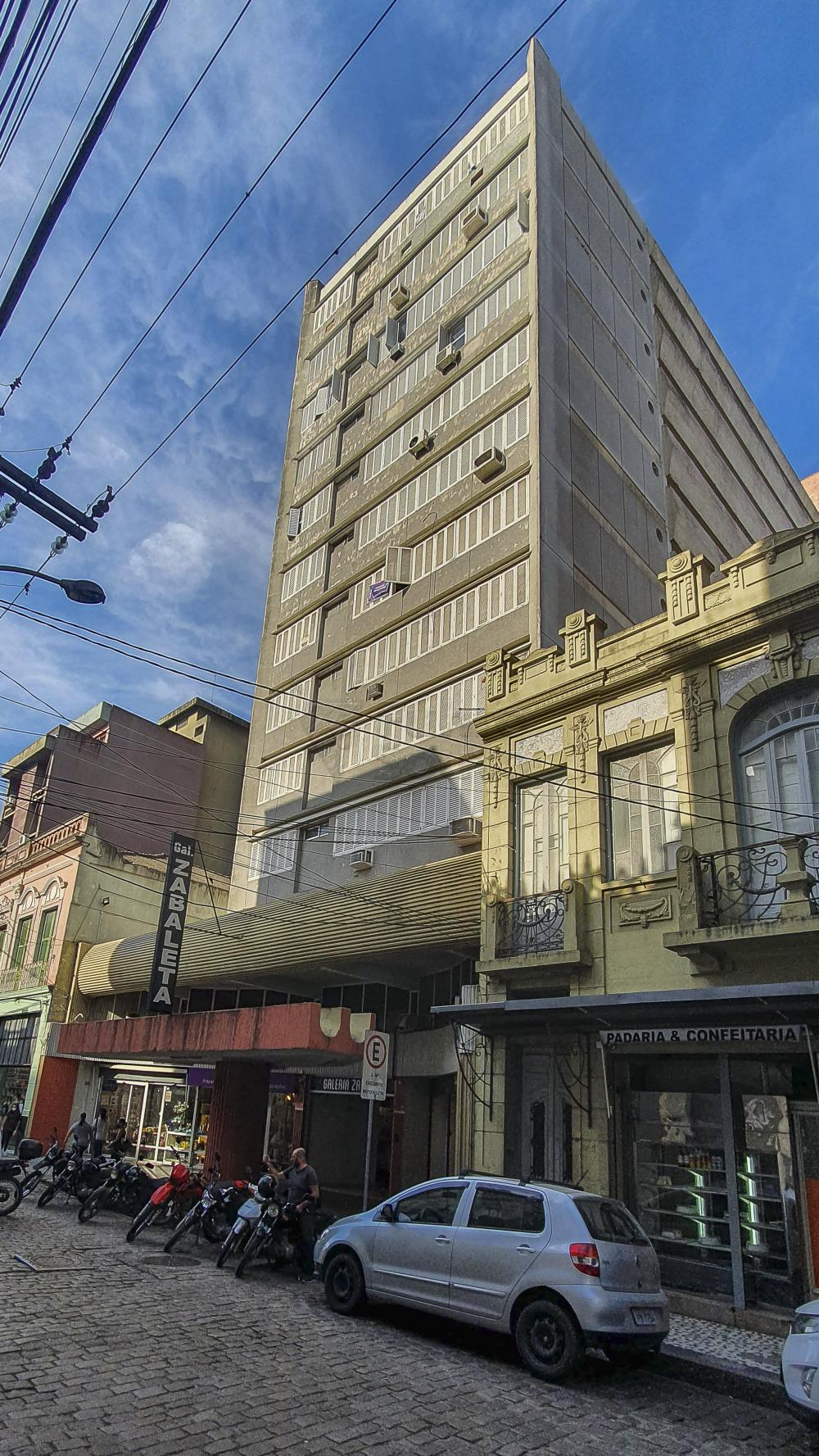 Comprar Apartamento / Padrão em Pelotas R$ 266.000,00 - Foto 1
